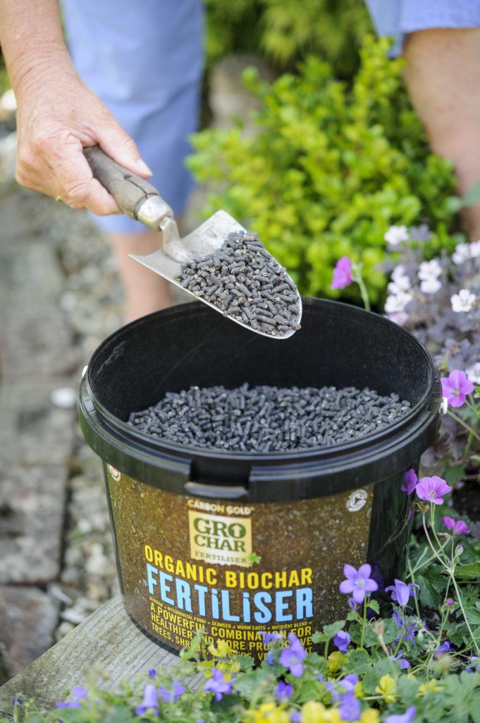 CG-fertiliser-flowers-HR-681x1024